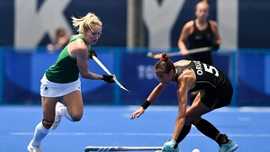 Nicci Daly of Ireland gets past Selin Oruz of Germany