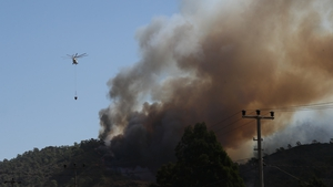 Helicopters battle forest fires in Turkey