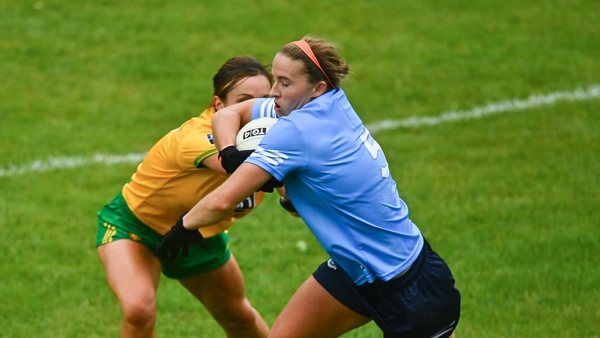 Orlagh Nolan of Dublin in action against Shelly Twohig of Donegal