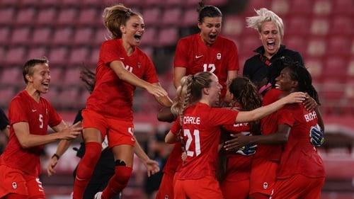 Canada beat USA in the semi-finals to reach the decider