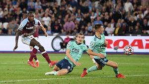 Michail Antonio celebrates scoring West Ham's third