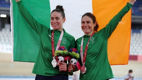 Katie-George Dunlevy and Eve McCrystal pictured with their medals following their silver medal performance at the Izu Velodrome in Japan