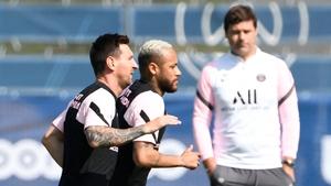 PSG boss Pochettino keeps an eye on his new star man.