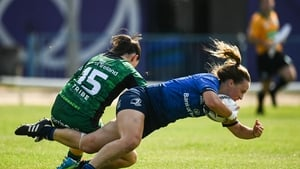Michelle Claffey goes over for Leinster's winning try