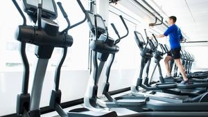 A new survey shows that even some people who have gym memberships feel too award to go.