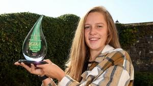 Ní Shé with her award today