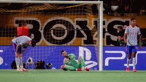 David de Gea of Manchester United looks on dejectedly