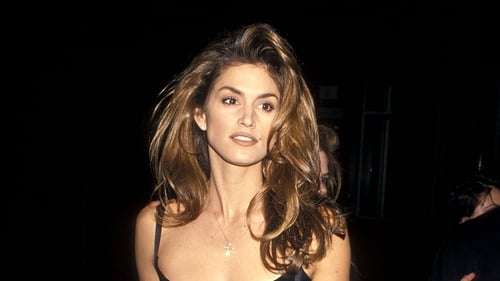 The style draws inspiration from supermodel Cindy Crawford's iconic voluminous blowdry. Photo: Getty