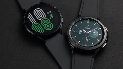 The Watch 4 range have Super AMOLED displays