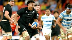 Tupou Vaa'i races clear to score his second try