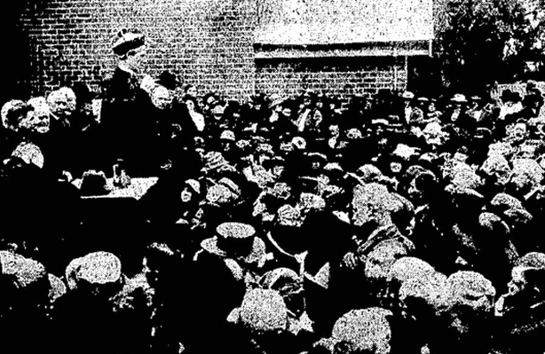 Century Ireland 214 - A crowd listening to Archbishop Mannix following his arrival back in Australia Photo: Cork Examiner, 5 October 1921