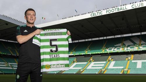 The midfielder's deal will run until 2026