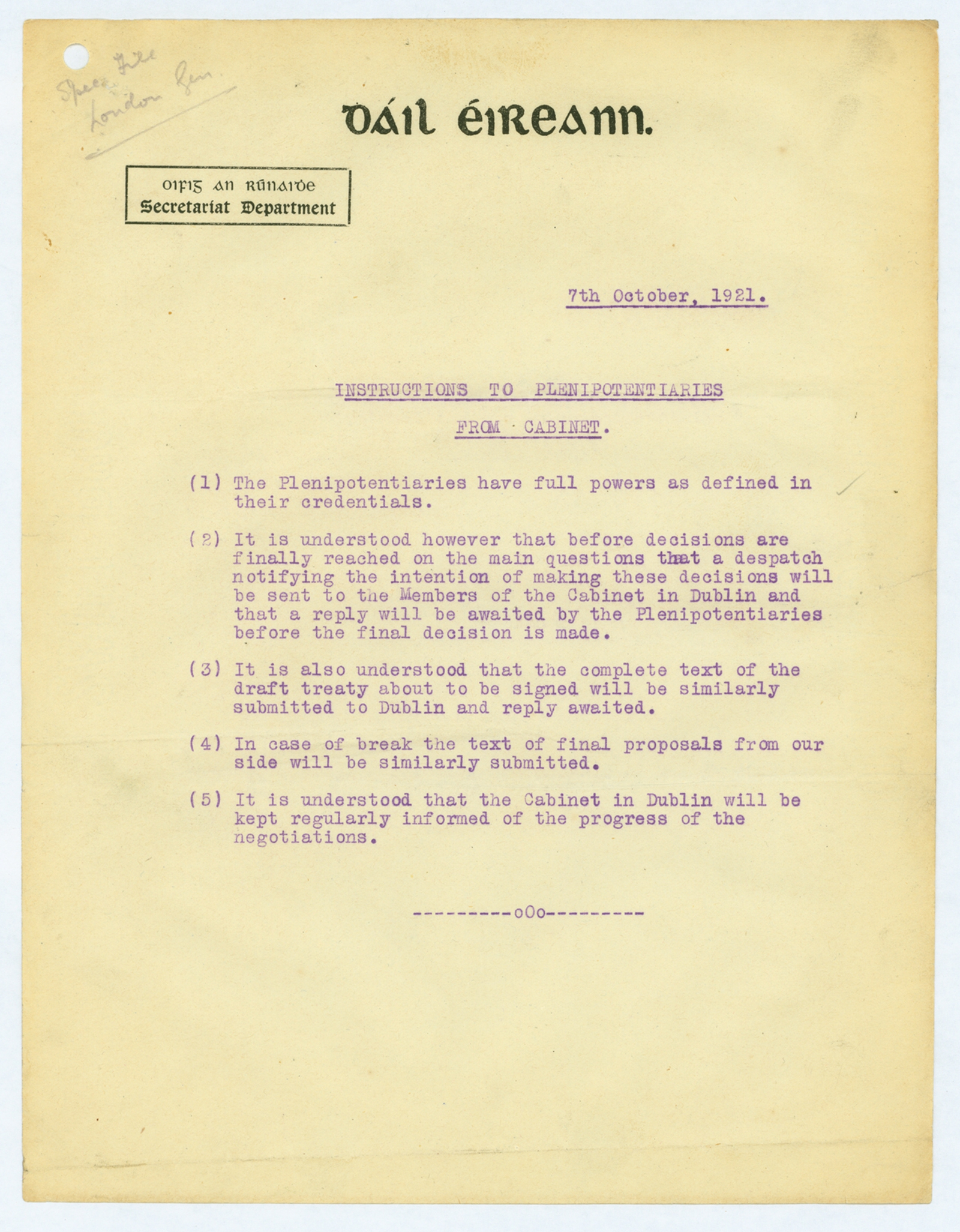 Image - De Valera believed the instructions to the delegates couldn't be clearer: sign nothing before referring back to Dublin (Credit: By kind permission of the National Archives)