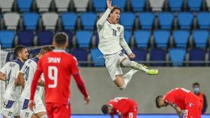 Dusan Vlahovic celebrates his winning goal