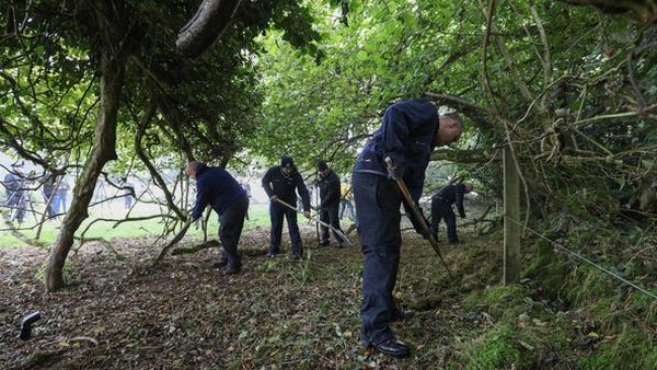 Gardaí searching a wooded area near Usk Little, Kildare (RollingNews.ie)