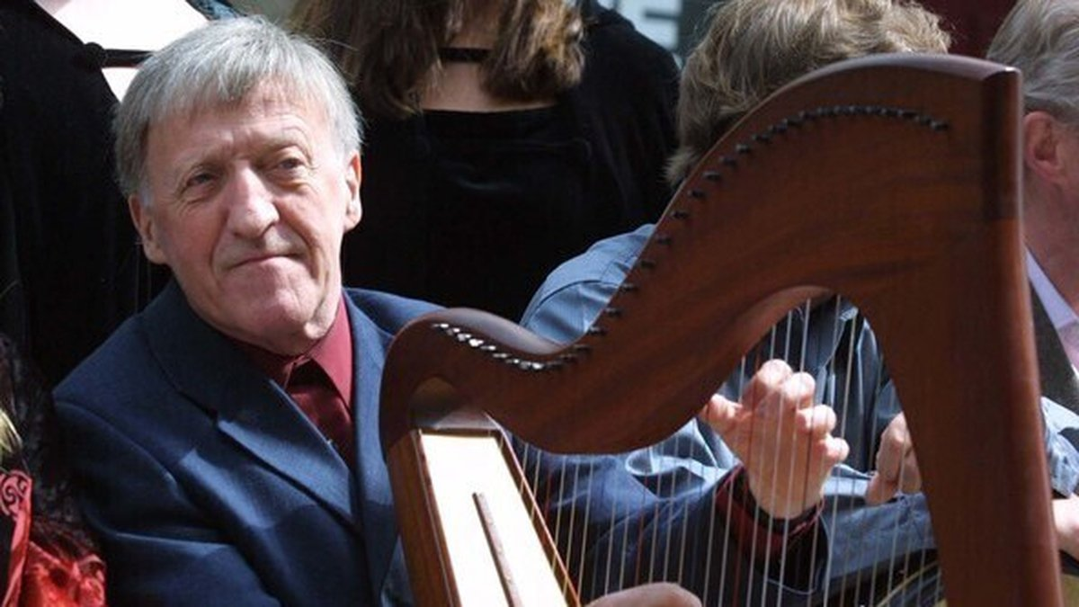 Leader of The Chieftains Paddy Maloney dies aged 83