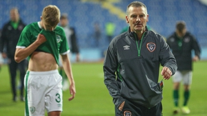 Republic of Ireland manager Jim Crawford (R)