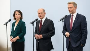 (L-R) Greens co-leader Annalena Baerbock, SPD's Olaf Scholz and Christian Lindner of the Free Democratic Party