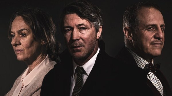 Niamh Cusack, Aiden Gillen and Nigel Lindsay in Faith Healer
