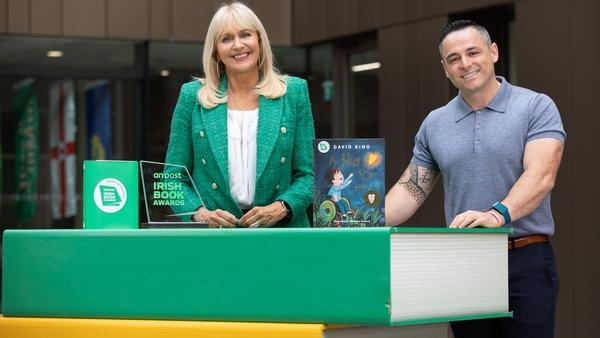 Miriam O'Callaghan with Irish Book Awards 2021 nominee David King (A Hug For You)