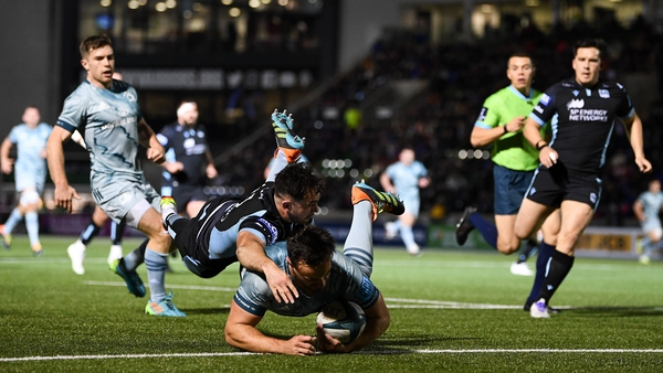 Rónan Kelleher scores Leinster's first try