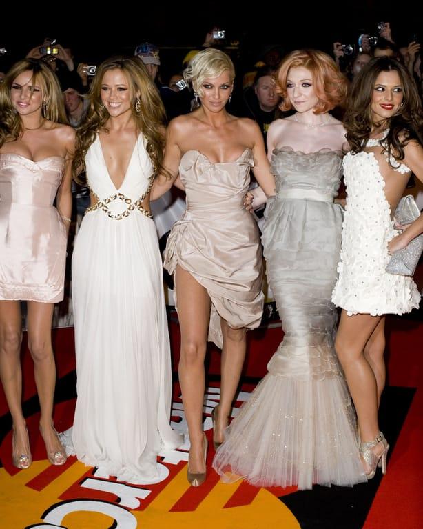 Girls Alouds singer Sarah Harding reveals she has breast cancer