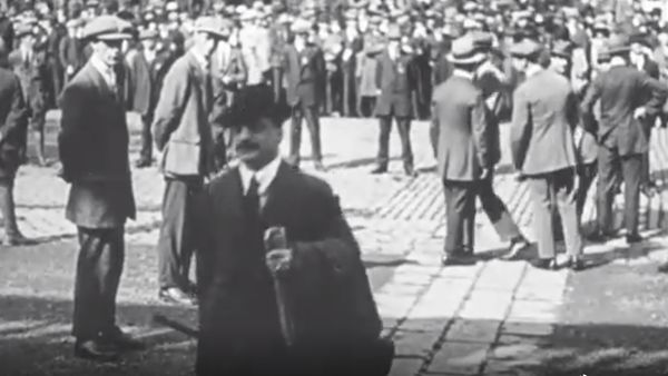 Arthur Griffith arrives at the first Dáil in a still from the archive footage from Grinberg, Paramount and Pathe Newsreels
